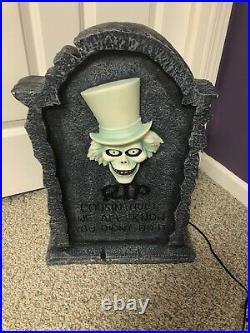 Disney Haunted Mansion Hatbox GHOST big figure tombstone lights ORIGINAL BOX