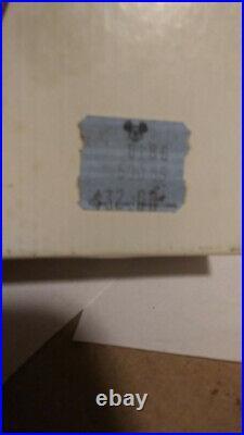 JOHNSON MATTHEY EPCOT CENTER WALT DISNEY WORLD 1982 RARE. 999 SILVER COIN WithCASE