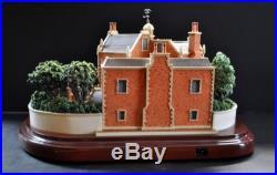 NIB Walt Disney World Olszewski Haunted Mansion Attraction Miniature Figurine