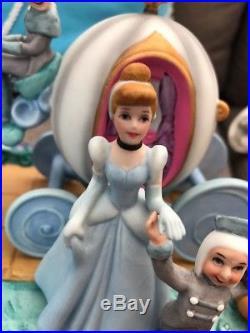 Rare Vtg Walt Disney World Porcelain Cinderella Horse Carriage Coach Figurine