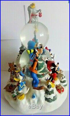 VINTAGE Walt Disney World Christmas Snowglobe EXCLUSIVE TO DISNEY WORLD