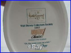 WDCC Walt Disney Classics Oh The World Owes Me A Livin Goofy Moving Day