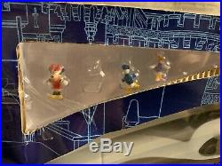 Walt Disney World Monorail Playset Orange Line 5 Cars 14 Track SPACESHIP EARTH
