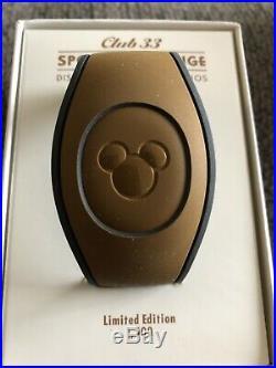 Walt Disney World WDW Club 33 Hollywood Studios Spotlight Lounge Magicband