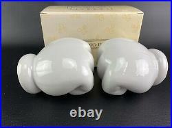 Walt Disney World at Home MICKEY MOUSE HANDS Ceramic Towel Rod Bar Holder