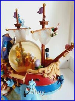 World of Disney Magical Gathering Ship A Whole New World Musical Snow Globe rare